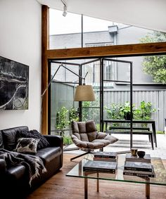 A Paddington, Sydney terrace house extension by Adrian Amore Architects opens… Terraced House, Patio Interior, Interior Exterior, Interior Architecture, Interior Doors, Masculine Interior, Living Spaces, Living Room, House Extensions