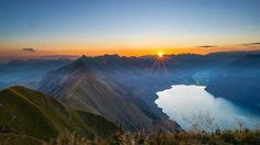 """Make today so awesome yesterday gets jealous."" ___________________________ : @rundblick.ch #outdooradventurephotos #hiking #berneroberland #rausaberrichtig #sunrise #newday #motivationwednesday http://ift.tt/2nFpPFL"