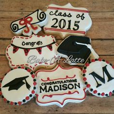 Stencil the hat. Graduation Desserts, Graduation Theme, Graduation Cupcakes, Graduation Cake Designs, College Graduation, Fancy Cookies, Iced Cookies, Cut Out Cookies, Sugar Cookies