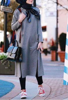 Attractive-Hijab-Winter-Outfits casual hijab outfit, ootd hijab, girl h Casual Hijab Outfit, Hijab Chic, Ootd Hijab, Hijab Dress, Girl Hijab, Warm Outfits, Casual Winter Outfits, Winter Fashion Outfits, Hijab Fashion Summer