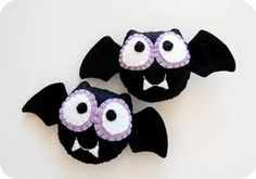 Felt Bat decorations for Halloween                              …
