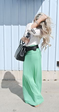 I must have that skirt!!