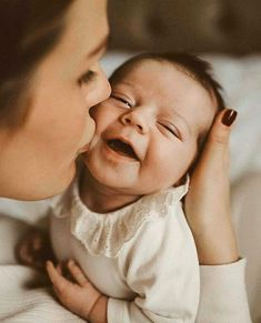 baby photography Lifestyle newborn photoshoot, newborn photography, mum and baby photography, Sophie Wheeler Photography. Foto Newborn, Newborn Baby Photos, Newborn Shoot, Newborn Pictures, Baby Girl Newborn, Mommy And Baby Pictures, Hospital Newborn Photos, Infant Photos, New Baby Photos