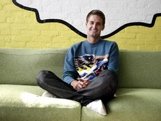 [#vidéo #Snapchat] Snapchat users watch 2 billion videos every day — about half as many as Facebook [Chiffres BusinessInsider 26/05/15]