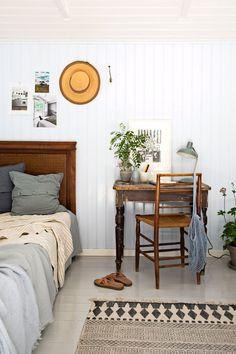 Nordic Bedroom, Home Bedroom, Bedrooms, Add A Room, Summer Bedroom, Turbulence Deco, Bleu Pastel, Muuto, Cottage Interiors