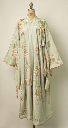 Kimono - Designer: Iida & Co./Takashimaya (Japanese, founded 1831) Date: ca. 1910 Culture: Japanese Medium: silk.  Photo 1 of 3