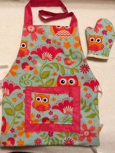 Child's Reversible Owl Apron with Oven Mitt and by FourFroggies