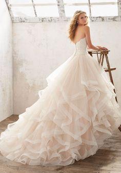 Breathtaking disney princess wedding dress to fullfill your wedding fantasy (17)