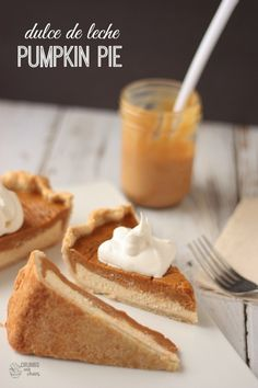 Dulce de Leche Pumpkin Pie | Crumbs and Chaos #pumpkin #Thanksgiving #pie www.crumbsandchaos.net