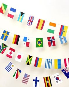 FREE printable World Flags Bunting. For a world travel themed party or to celebrate any international occasion. 100 countries printable world flags in one file, in perfect sizes to make party bunting with. Around The World Theme, Flags Of The World, We Are The World, Around The World Crafts For Kids, Geography Activities, Activities For Kids, Teaching Geography, World Geography, Mr Printables