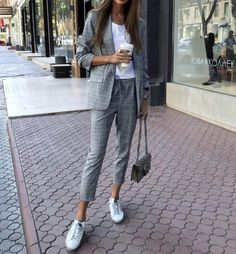 20 Women Spring Outfits for Work - Work Outfits Women Spring Work Outfits, Spring Outfits Women, Casual Work Outfits, Business Casual Outfits, Cute Outfits, Plaid Outfits, Business Attire, Business Casual For Women, Comfy Work Outfit