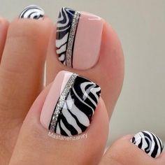 Simple Toe Nails, Pretty Toe Nails, Cute Toe Nails, Gorgeous Nails, Love Nails, Toenail Art Designs, Cute Nail Art Designs, Pedicure Designs, Pedicure Nail Art