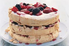 Who doesn't like sweets? Check out the recipe for this amazing pavlova. Three-Layer Berry and Brown Sugar Pavlova Serves 8 Active Time: Gluten Free Desserts, Dessert Recipes, Paleo Sweets, Healthy Desserts, Egg White Recipes, Round Cake Pans, Summer Desserts, Food Menu, Brown Sugar