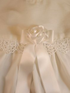 Handgjord rosrosett,  Christening gown