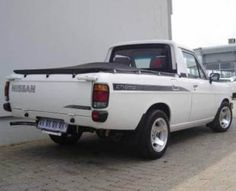 1400 bakkie Pick Up Nissan, Nissan Sunny, Champs, Cars And Motorcycles, Old School, Toyota, Infinity, Truck, African