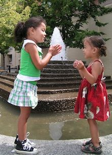 10 Fun Games Involving Clapping - Find A Babysitter Activity Games, Fun Games, Music Games, Childhood Games, Early Childhood, Hand Games For Kids, Activities For Kids, Hand Clapping Games, Playground Games