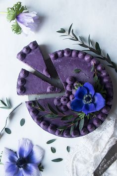 Wild Blueberry Vegan Cheesecake. Delicious vegan cheesecake recipe with almond amaranth tahini crust and creamy cashew wild blueberry filling. #vegan #blueberry #cheesecake
