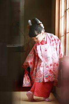 七五三(七五三写真)|子供・大人の写真撮影ならライフスタジオ - 人生を写す写真館 Japan Events, Japanese Festival, Japanese Girl, Asian, Celebrities, Children, Clothes, Style, Kimonos