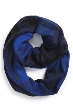 Want this white plaid infinity scarf!