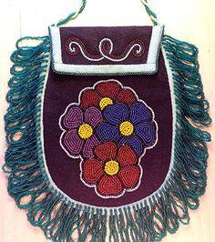 All Things Cherokee: Art Gallery - Beadwork - In the Garden Purse by Martha Berrry