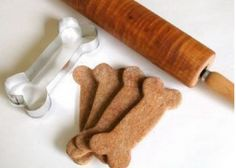 Show your pup some love with these homemade dog treats  #recipe #dogs