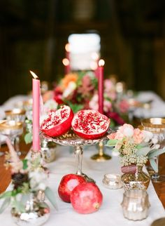 Although my Rosh Hashanah table last year was pretty, I wouldn't say it was really amazing. I did have an excuse last year: I didn't actually plan on having a Rosh Hashanah dinner until the day bef...