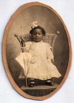 20 Vintage Southern Baby Images We Adore! Vintage Children Photos, Vintage Pictures, Old Pictures, Vintage Images, Old Photos, Children Pictures, American Women, African American History, American Baby