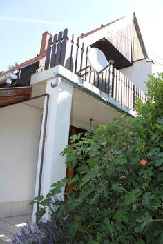 Csopak - Csendes lakóövezetben egy szép állapotú ikerlakóház - Kód: CLH03. - http://balatonhomes.com/code_CLH03 - Vételár: 18 900 000 Ft.