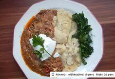 Vörösboros gombapaprikás nokedlivel és párolt spenóttal Hungarian Recipes, Hungarian Food, Mashed Potatoes, Ethnic Recipes, Whipped Potatoes, Hungarian Cuisine, Smash Potatoes, Shredded Potatoes