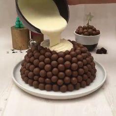 Easy Cake Recipes - New ideas Easy Cake Recipes, Sweet Recipes, Baking Recipes, Dessert Recipes, Dog Food Recipes, Chocolate Cake Recipe Easy, Bolo Chocolate, Food Cakes, Creative Food
