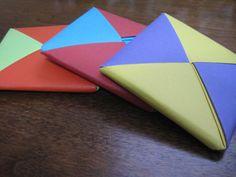Ddakji/ttakji Korean Traditional Game Using Folded Paper Squares Origami Lamp, Origami Paper, Traditional Games, Korean Traditional, Geometric Origami, Origami Tattoo, Origami Wedding, Korean Design, Paper Games