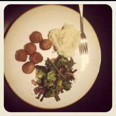 Dinner with IKEA meatballs and yummy mashed potatoes & veggie stir-fry!