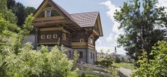 Urlaubs Appartements - Ferienhäuser GerhartFerienhäuser Gerhart Style At Home, Cabin, House Styles, Home Decor, Outdoor Grill Area, Walking Paths, Tall Dining Table, Double Room, Filling Station