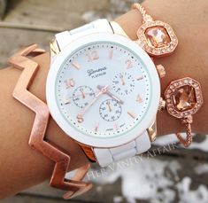 Geneva watch and rose gold bling Jewelry Accessories, Fashion Accessories, Boyfriend Watch, Beautiful Watches, Fashion Watches, Bracelet Watch, At Least, Jewelry Watches, Rose Gold