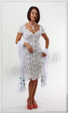 Beth Pottinger-Hockings's media content and analytics Filet Crochet, Irish Crochet, Crochet Baby, Crochet Top, Crochet Wedding Dresses, Wedding Dresses Plus Size, Crochet Numbers, Lace Cardigan, Dress Tutorials