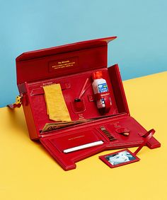 Miranda July Made A Purse For Neurotics Like Us  #refinery29  http://www.refinery29.com/2014/10/75621/miranda-july-bag