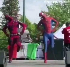 Spiderman and deadpool dancing and the best thing in life ! - Funny Superhero - Funny Superhero funny meme - - The post Spiderman and deadpool dancing and the best thing in life ! Avengers Humor, Marvel Jokes, Funny Marvel Memes, Dc Memes, Marvel Dc Comics, Marvel Heroes, Marvel Avengers, Avengers Song, Crazy Funny Memes