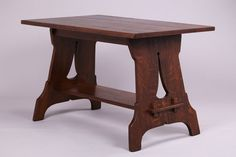 Unusual Stickley Brothers Cutout Trestle Table with Double Tenon & Key Construction on each side. Arts And Crafts Furniture, Furniture Projects, Wood Projects, Diy Furniture, Craftsman Style Table, Craftsman Style Furniture, Craftsman Houses, Brothers Furniture, Mission Furniture