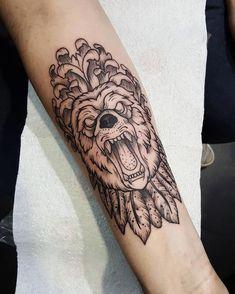 tattoos for men clock #Tattoosformen Cool Forearm Tattoos, Forearm Tattoo Design, Cool Tattoos For Guys, Tattoos For Women, Bear Tattoos, Tatoos, Le Tattoo, First Tattoo, Sister Tattoos