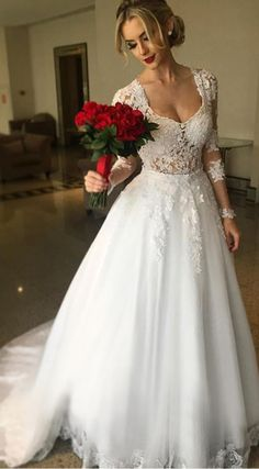 Gorgeous Tulle Scoop Neckline 2 in 1 Wedding Dresses With Lace Appliques