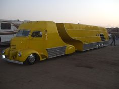 We spotted this Deco Fifthwheel at the Sonoma #NHRA race in 2012.