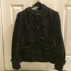 Guess Jacket - navy and black plaid I used to love this jacket! Just isn't my style anymore. It's been kept in nice condition. Guess Jackets & Coats