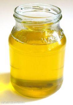Ghee - das flüssige Gold.          Ghee auch Butterschmalz genannt wird aus Butter hergestellt  und liefert wundervollstes Butteraroma!  ...