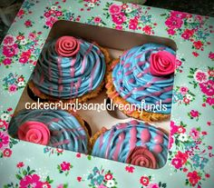Sleeping beauty Aurora inspired cupcakes for mother's day #makeitpink #makeitblue #disney