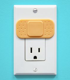 Ouchlet Outlet Cover