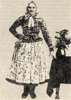 "Képtalálat a következőre: ""női ujjas népviselet"" Folk Costume, Costume Dress, Costumes, Folk Dance, Hungary, Art Reference, Vintage Fashion, Military, Marvel"