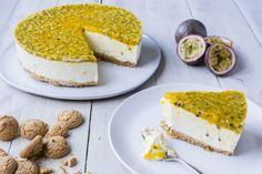 Super delicious Thermomix passionfruit cheesecake. The ideal recipe for a light treat.