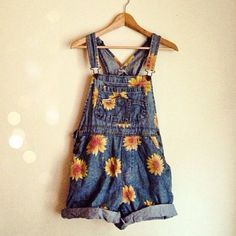 Dress: overalls, vintage, flower, dungarees, shorts, denim overall shorts, daisies - Wheretoget