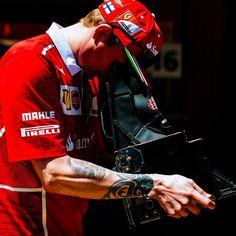 "22 mil Me gusta, 21 comentarios - Scuderia Ferrari (@scuderiaferrari) en Instagram: ""Freeze! #ScuderiaFerrari #SpanishGP #Kimi7 #SF70H #F1 #Ferrari #PrancingHorse"""