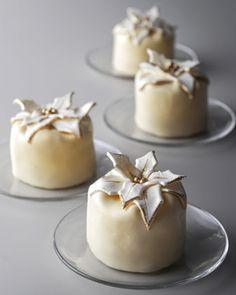 """Mini """"Poinsettia"""" Cheesecakes"""